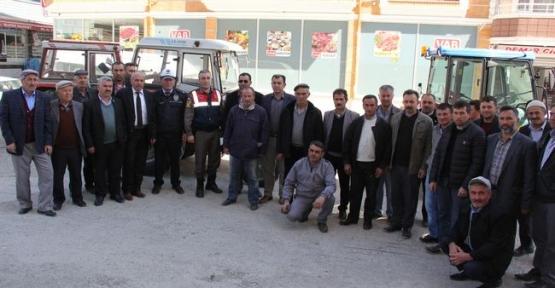 Emniyet ve Jandarma Güvenli Traktör Kullanımı Hakkında Bilgilendirdi