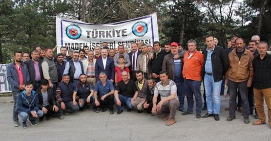 MHP Samsun Milletvekili Erhan Usta Grev Yapan Madenciler İle Görüştü