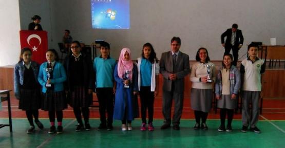 Orta Okullar Arası Bilgi Yarışması Düzenlendi