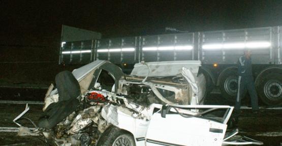 Samsun'da Tır ile Otomobil Çarpıştı: 3 Ölü
