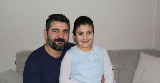 Türkiye'nin En Küçük Şairinin Kitabı Okuyucusu ile Buluşuyor-Video Haber